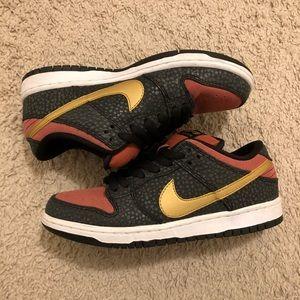 Nike Dunk Low Premium SB QS (Size 6.5)